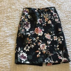 White House Black Market Floral Pencil Skirt